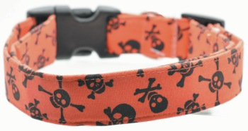 Orange Skull/Crossbone Collar (DO-ORNGSKLLCRSSBONE)