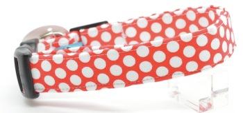 White Red Dot Collar (DO-WHTREDDOT)